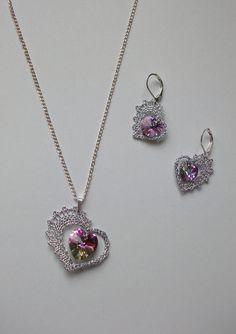 Souprava 26 482 - Swarovski | Vamberecká krajka Lace Earrings, Lace Jewelry, Bobbin Lacemaking, Types Of Lace, Bobbin Lace Patterns, Wire Crochet, Lace Heart, Needle Lace, Lace Making
