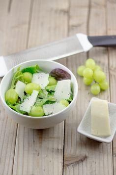 Greek recipe: Parmesan and Green Grape Salad via @lemonandolives