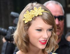 Taylor Swift Is Bringing Back The Headband - Here's How To Do Hair Accessories   Grazia Beauty