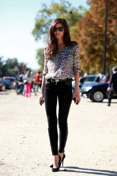 leopard buttoned top, jet black skinny jeans + heels. #streetstyle #fashion