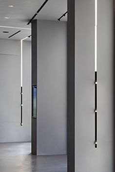 The Running Magnet designed by Flos Architectural is a hig-tech LED lighting system for interior architecture. It omprises electromechanical structural profiles for suspended, surface, or recessed mounting into 12.5mm thick plasterboard walls/ceilings. Ambient light strip modules, accent spot lights and decorative luminaries mounted into the profiles with exclusive secure magnetic fixing complete the system. #FlosArchitectural #structureprofile #interiorarchitecture