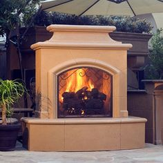 Upscale Southwestern design lives in the American Fyre Designs Mariposa Outdoor Fireplace . A handsome way to add warmth and style to your outdoor living. Prefab Fireplace, Outdoor Gas Fireplace, Outside Fireplace, Backyard Fireplace, Custom Fireplace, Diy Fireplace, Outdoor Rooms, Outdoor Living, Outdoor Awnings