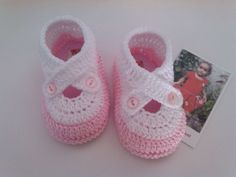 How To Crochet Amigurumi Octopus Crochet Baby Boots, Crochet Baby Sandals, Booties Crochet, Baby Girl Crochet, Crochet Shoes, Baby Booties, Crochet Clothes, Baby Doll Shoes, Baby Shoes Pattern