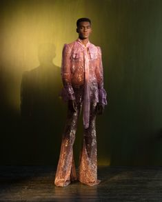 My 2020 Collection exclusively on British Vogue.( ) Designer - Harris Reed Boots - Harris Reed X Roker Styling -… Queer Fashion, Androgynous Fashion, High Fashion, Androgynous Clothing, Androgynous Girls, Traje A Rigor, Purple Fashion, Stage Outfits, Poses