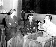Robert Walker and Judy Garland, and Vincent Minnelli on the set of THE CLOCK (1945).
