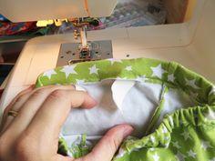 DIY: Cómo hacer leggings para bebés / Actitud y alegría. Sewing For Kids, Baby Sewing, Baby Dress Patterns, Sewing Crafts, Zara, Clothes, Valentino, Kid Outfits, Sew