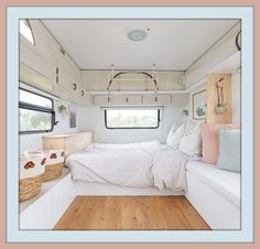 Be amazed at how this vintage caravan has been transformed into a comfortable and cozy holiday home on wheels. Vintage caravan restoration Vintage travel trailer renovation Vintage van renovation Vintage Caravan Interiors, Caravan Decor, Vintage Caravans, Caravan Ideas, Caravan Makeover, Caravan Renovation, Caravan Living, Bed Wrap, Small House Living