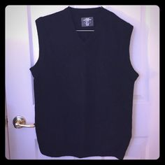 Men's Sweater Vest by H&M Men's Sweater Vest by H&M.  Color: Black.  Size: L.  Excellent Condition.  US 100% Lambs Wool. H&M Sweaters