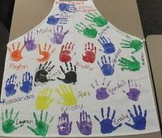 Been trying to find an idea like this. Have all students hand print an apron for the teacher so teacher can display it and remember her classes each year (like a yearbook but for art teachers!) by iris-flower School Auction Projects, Class Art Projects, Auction Ideas, Service Projects, Art Auction, Staff Gifts, Volunteer Gifts, Student Teacher Gifts, Art Teachers