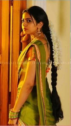 Beautiful Girl Indian, Most Beautiful Indian Actress, Beautiful Long Hair, Beautiful Actresses, Indian Long Hair Braid, Braids For Long Hair, Bridal Hair Buns, Indian Bridal Hairstyles, Beauty Full Girl