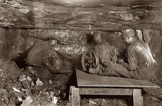 Shorpy Historical Photo Archive :: Brown Mine, in West Virginia 1908