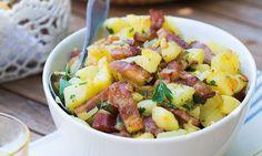 Receita de batatas salteadas com bacon, simples e fácil de preparar. Uma refeição rápida e reconfortante, que o deixará de água na boca. Experimente já.