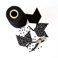 Free printable arrow garland #monochrome #white # black # triangle #arrow #flags