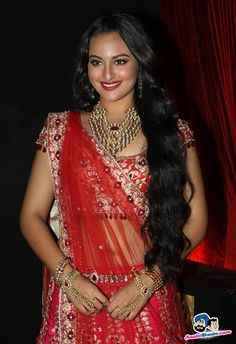 Sonakshi Sinha's outfit is amazing but her jewellery completes the look, especially the necklace.