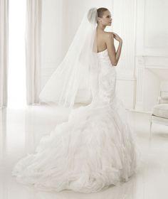 Pronovias 2015 Dreams Collection Beca Wedding Gown