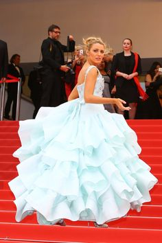 Blake Lively attends the 'Slack Bay (Ma Loute)' premiere during the annual Cannes Film Festival at the Palais des Festivals on May 2016 i. Blake Lively Cannes, Blake Lively Style, Gossip Girl, Strapless Dress Formal, Prom Dresses, Hollywood Red Carpet, Celebrity Wedding Dresses, Palais Des Festivals, Glamour
