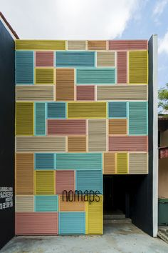 17 ideas for apartment architecture facade inspiration Cladding Design, Facade Design, Exterior Design, Exterior Signage, Exterior Cladding, Retail Facade, Best Exterior Paint, Building Facade, Building Ideas