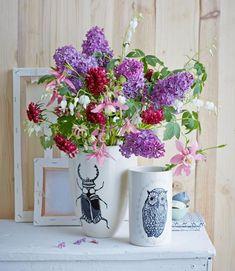 Blumenstrauß mit Flieder - Von LIVING AT HOME - [LIVING AT HOME]