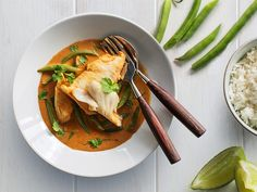 This fragrant Thai curry uses fresh Sealord hoki fillets, green beans and plenty of coriander to create a light and zingy meal Thai Curry Recipes, Fish Curry, Seafood Dishes, Soups And Stews, Fish Recipes, Entrees, Easy Meals, Cooking Recipes, Kitchens