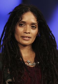 Lisa Bonet: natural beauty! Dig the dreads!