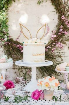 Semi-naked bunny rabbit cake from a Floral Easter Brunch on Kara's Party Ideas Easter Bunny Cake, Bunny Party, Bunny Birthday, Hoppy Easter, Easter Eggs, Easter Brunch, Easter Party, Easter Table, Easter Gift