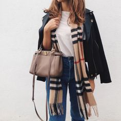 Camel plaid Burberry scarf and black leather jacket outfit Cute Fall Outfits, Fall Winter Outfits, Autumn Winter Fashion, Casual Outfits, Spring Outfits, Casual Winter, Winter Clothes, Winter Wear, Casual Summer