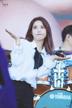 Kpop Girl Groups, Korean Girl Groups, Kpop Girls, Boy Groups, Sun Solar, Yongin, Under The Rainbow, Solar Mamamoo, Fandom