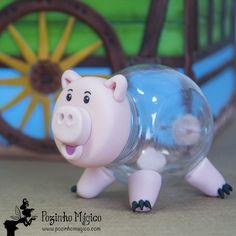 Nosso porquinho bonachão já esvaziou o cofrinho pra encher a pança com muito docinho! **Lembrancinha personalizada festa Toy Story. Baleiro 80 ml porquinho Hamm**