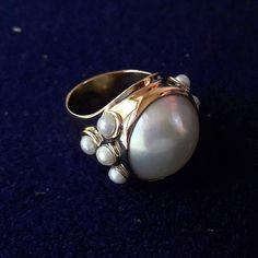 Anillo de oro y perlas engastadas    #escuelajoyeriacdc #joyeriachilena #instachile #instasantiago #novioschile #chilegram #matrimonio #pearl #orfebreschilenos #orfebreriachilena #like4like #madeinchile #hechoenchile #hechoamano