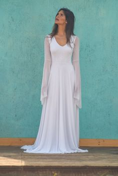 7 Smooth Clever Ideas: Wedding Gowns Petite A Line wedding dresses bohemian mariage.Wedding Dresses Open Back 2017 wedding gowns lace zuhair murad. Bohemian Bride, Bohemian Wedding Dresses, Fall Wedding Dresses, Princess Wedding Dresses, Wedding Dress Styles, Wedding Gowns, Bohemian Weddings, 2017 Wedding, Bling Wedding