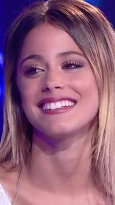 Tini sonriee!! *_______* Q sonrisaa!! @TiniStoesel❤️❤️❤️ Violetta And Leon, Violetta Live, Martini, Normal Girl, Barbara Palvin, Her Music, Character Inspiration, Love Her, Actors