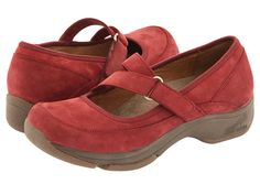 Dansko Kiki Wine Waterproof Nubuck - they're WATERPROOF!