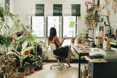 #Homegoals #desksetup #plantlove #philodendron #crazyrichplantasian #deskgoals #planthome T Home, Desk Setup, New Week, Travelers Notebook, Interiors, How To Plan, Furniture, Instagram, Home Decor