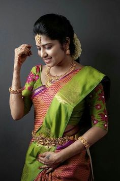South Indian Wedding Saree, Saree Wedding, Indian Bridal, Wedding Bride, Sari Blouse Designs, Saree Models, India Beauty, Indian Dresses, Color Combos