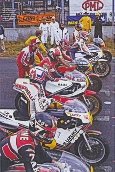 —- Start of the 500cc race at Anderstorp Sheene (pole), Lucchinelli, Roberts, Mamola, Middelburg,Crosby 1981 SwedishGP —