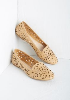 Catches My Eye Flat. Its easy to see the double-takes that come your way when youre wearing these tan flats! #tan #modcloth