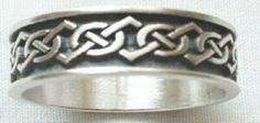 Pointy celtic knot ring