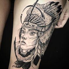 Tatuagem criada por Anderson Felix de Dublin.    Guerreira indígena em blackwork.