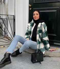 Hijab Fashion Summer, Modest Fashion Hijab, Modern Hijab Fashion, Street Hijab Fashion, Hijab Fashion Inspiration, Winter Fashion Outfits, Muslim Fashion, Modest Outfits Muslim, Hijab Casual
