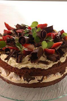 Receta torta merengue y frutilla