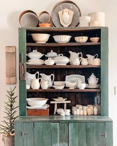 "EMILY | Vintage Decor | GA 🍑 on Instagram: ""Last week I decided to twirl the ""Jolly Green Giant"" ... I just felt it was time to change up the shelves for spring! Today I finally…"""