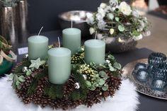 Christmas Advent Wreath, Christmas Countdown, Winter Christmas, Christmas Holidays, Christmas Crafts, Christmas Decorations, Table Decorations, Diy Fall Wreath, Wreath Tutorial