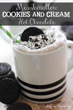 50 Amazing Oreo Desserts (Marshmallow Cookies and Cream Hot Chocolate) Fast Easy Dinner, Fast Dinner Recipes, Fast Dinners, Quick Recipes, Healthy Recipes, Dessert Oreo, Dessert Recipes, Oreo Desserts, Oreos
