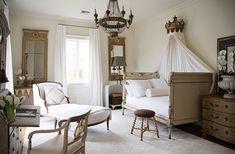 A look at Swedish Gustavian style! What it is, how to incorporate it into your home, and how to shop for gorgeous Gustavian pieces! Nova Orleans, New Orleans Homes, White Sheer Curtains, Louisiana, Southern Living Homes, Country Style Homes, Modern Country, Country Chic, Modern Rustic