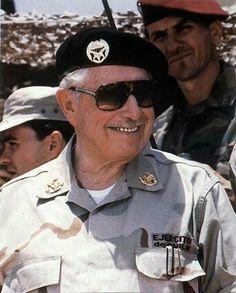 El General Pinochet en el desierto de Atacama en las pruebas finales del proyecto Rayo.