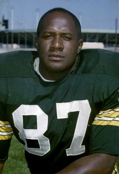 This Day in Football: Happy Birthday, Willie Davis Nfl Football Players, Packers Football, Football Moms, Greenbay Packers, Football Cards, Rodgers Packers, Bart Starr, Green Bay Packers Fans, Contact Sport
