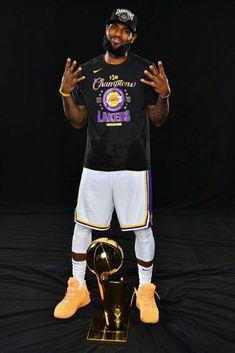 Lebron James Poster, King Lebron James, Kobe Lebron, Lebron James Lakers, King James, Nba Players, Basketball Players, Lebron James Wallpapers, Photography