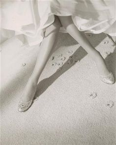Horst P. Horst, Legs with satin slippers, 1953 a true story of beauty and obsession