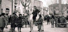Festa dels Tombs, Sant Antoni, jaren 60 http://groetenuitbarcelona.blogspot.com.es/2013/01/het-varken-van-sant-antoni-komt-uit.html