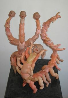 """Artist Jon Beinart creates bizarre yet fascinating doll sculptures he called """"Toddlerpedes"""". Stupid Funny Memes, Haha Funny, Reaction Pictures, Funny Pictures, Dumb Photos, Maquillage Halloween, Creepy Dolls, Cursed Images, Mood Pics"""